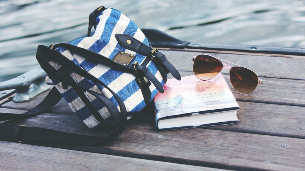 crossbody bag for travel featured
